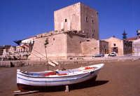 torre Cabrera e barca   - Pozzallo (4052 clic)