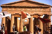 Agrigento, sagra del mandorlo in fiore e tampio della Concordia   - Agrigento (3906 clic)