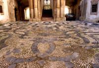 palazzo Beneventano, cortile a ciotoli   - Siracusa (3958 clic)