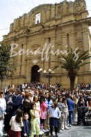 Pasqua:Feste e tradizioni popolari (venerdi santo) Il Duomo.  - Mazzarino (6114 clic)