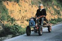 Sicilia 1980/82 civilta' contadina: Nostalgia?  - Mazzarino (3360 clic)