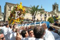 Processione del Fercolo del SIGNORE DELL'OLMO  - Mazzarino (2991 clic)