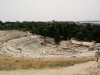 Il più maestoso teatro della magna grecia, interamente scavato nella roccia. Parco Archeologico.  - Siracusa (5680 clic)