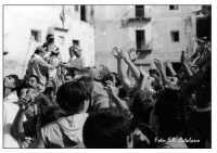 Festa di San Calogero -In attesa del pane  - Porto empedocle (9460 clic)