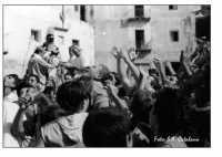 Festa di San Calogero: In attesa del pane  - Porto empedocle (8045 clic)