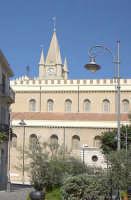 Visione laterale del Duomo  - Messina (2113 clic)