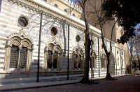 Visione laterale del Duomo  - Messina (2138 clic)
