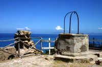 Pozzo nello spiazzo antistante il Santuario  - Capo d'orlando (3032 clic)