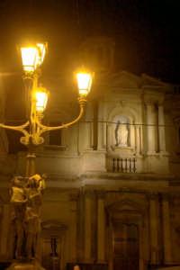 Lampione artistico su Piazza Indipendenza  - Paternò (1876 clic)