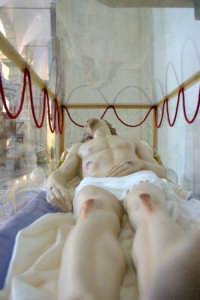 Duomo - Teca con statua del Cristo morto  - Alì (3721 clic)
