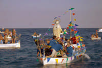 Processione della Madonna del Carmelo. Processione a mare  - Roccalumera (3181 clic)