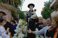Festa del Patrono Sant'Antonio, portato in processione dopo 43 anni - 13.06.2006  - Roccalumera (3139 clic)