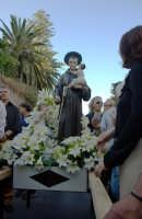 Festa del Patrono Sant'Antonio, portato in processione dopo 43 anni - 13.06.2006  - Roccalumera (2249 clic)