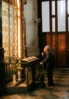 Preghiera al Santuario della Madonna del Carmine  - Catania (2459 clic)