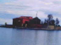 E' un'isola a pochi metri della spiaggia di Marzamemi, la chiamano l'Isola dei francesi  - Marzamemi (5441 clic)