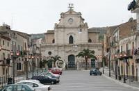Chiesa Madre sullo sfondo di piazza Garibaldi Santa Caterina Villarmosa  - Santa caterina villarmosa (380 clic)