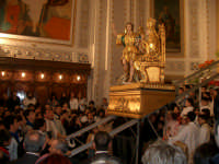 Basilica Maria SS. Annunziata: salita del simulacro di Maria SS. Annunziata nella seconda domenica di Pasqua  - Comiso (6565 clic)