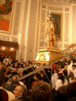 Basilica Maria SS. Annunziata: salita del simulacro del Cristo risorto nella seconda domenica di Pasqua  - Comiso (6137 clic)