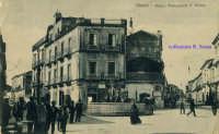 Cartolina d'epoca - Piazza Monsignor Alessi - Pupa  - Giarre (4534 clic)