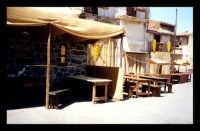 Stand in piazza che raffigurano quelli di età Medievali durante le feste.  - Motta sant'anastasia (5328 clic)