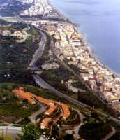 S.Alessio vista da Forza D'Agrò..  - Sant'alessio siculo (6528 clic)