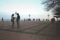 Piazza centrale del paese.  - Milo (3695 clic)