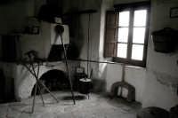 Convento dei Cappuccini, all'interno ricostruzione della vita dei Cappuccini nel 500. Vi si trovano celle e mobilia originali delle varie epoche dal 500 in poi.  - Francavilla di sicilia (3187 clic)