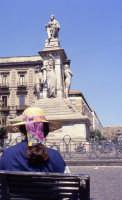 Piazza Stesicoro, monumento a Vincenzo Bellini.  - Catania (2088 clic)