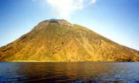 Stromboli vista dal mare.  - Stromboli (6447 clic)