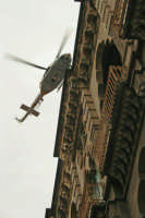 Festa di S.Agata 2006, elicottero adibito alle riprese della processione.  - Catania (2306 clic)