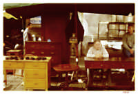 Bancarella d'antiquariato al mercatino delle pulci che si svolge ogni domenica a catania.  - Catania (2298 clic)
