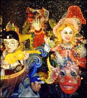 Colori, allegria, fantasia .. del Carnevale di Acireale (edizione 2004).  - Acireale (2419 clic)