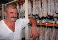 Il sig. Parafioriti, produttore dei prelibati salumi S.Marco.  - San marco d'alunzio (4197 clic)