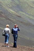 Turisti sul vulcano.  - Etna (1967 clic)