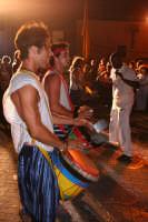 Feste medievali 2005 - Compagnia di percussioni - I tamburi Imperiali durante una loro esibizione.  - Motta sant'anastasia (5308 clic)
