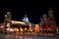 Piazza Duomo nelle ore serali.  - Acireale (2418 clic)