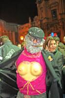 Carnevale di Acireale 2006, persona in maschera.  - Acireale (1502 clic)