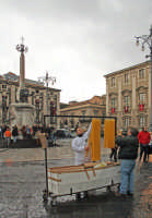 Festa di S.Agata 2006, venditore di ceri.  - Catania (2177 clic)