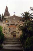 Chiesa di SS. Trinità, ripresa dalla scalinata.  - Forza d'agrò (7420 clic)