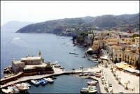 Veduta dall'alto del porticciolo Marina corta.  - Lipari (6521 clic)
