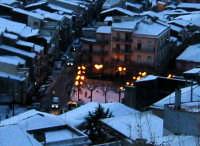 Piazza Roma al tramonto con la neve.  - Buccheri (6565 clic)