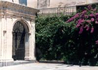 Sagrato della chiesa di S.M.Maddalena.  - Buccheri (1523 clic)