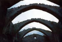 Arcate della chiesa di S.Andrea (ora restaurata).  - Buccheri (2619 clic)