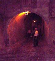 Buccheri, arco di Via Cosentino con intruso.  - Buccheri (1422 clic)