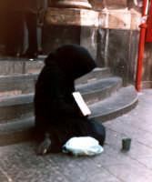 Aiutatemi! (Catania, Via Etnea).  - Catania (2691 clic)