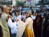 Buccheri, Medfest 2006. Corteo. Nobildonna e nobiluomo.  - Buccheri (1694 clic)