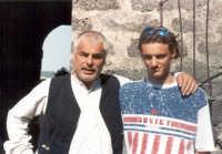 Leonardo con Michele Placido durante una pausa del film La lupa, 1995.  - Buccheri (5257 clic)