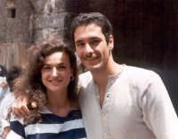 Raoul Bova con Loredana in una pausa del film La lupa, 1995.  - Buccheri (6183 clic)