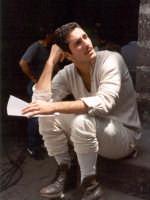 Raoul Bova in una pausa del film La lupa, 1995.  - Buccheri (7850 clic)