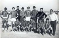 Squadra di calcio S.S.Buccheri, col manager Vito Taratozzo-anno 1959.  - Buccheri (10661 clic)